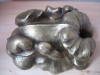 Walnußhälfte  I  Bronze